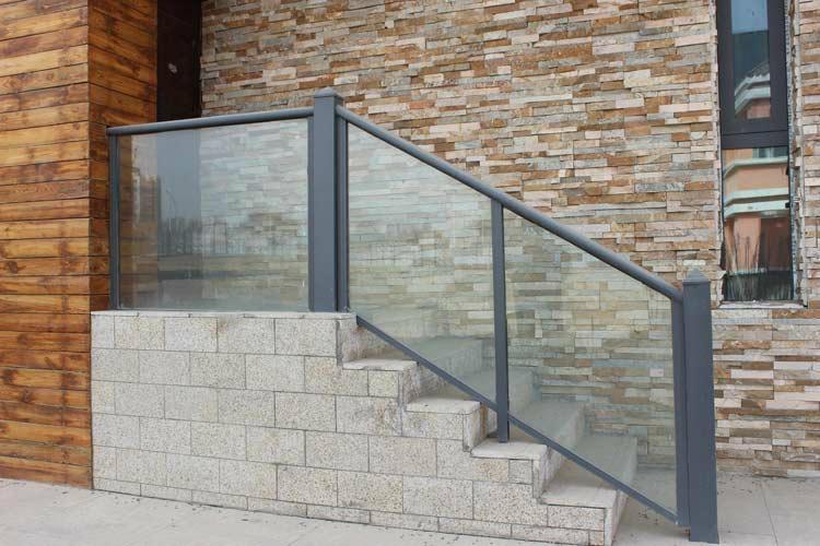 玻璃圍欄鋼化玻璃安全玻璃圍欄 1