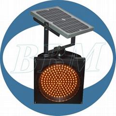 200mm solar powered traffic light