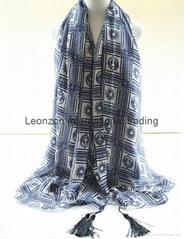 fashion print witn tassel