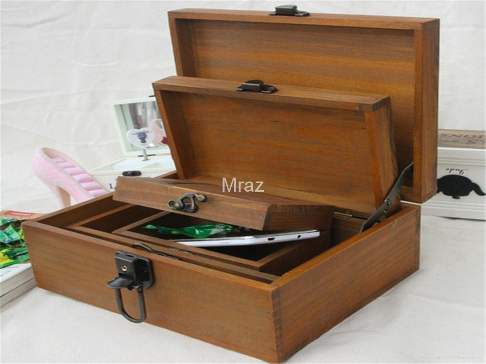 Retro Style Wooden Jewelry Box With Eiffel Town 2