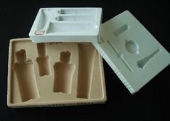 Cosmetic packaging inner tray