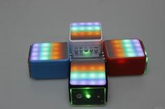 2015 new mini bluetooth cube speaker with led light