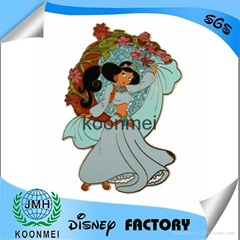 Hot selling disney lapel pin with low