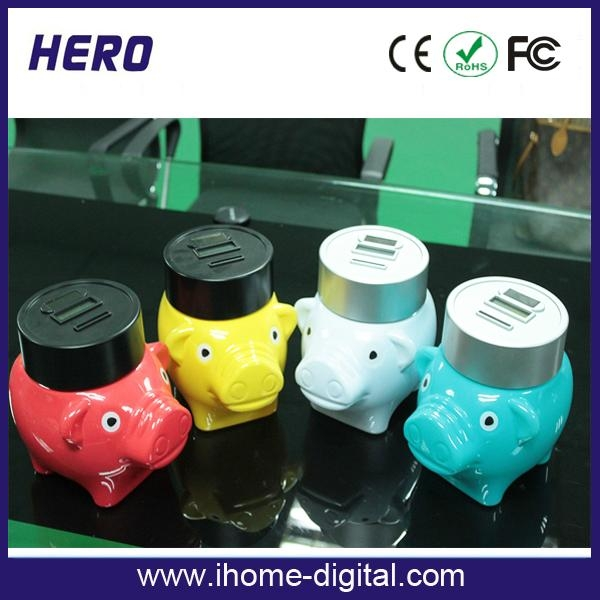 Plastic piggy bank with coin counter 2