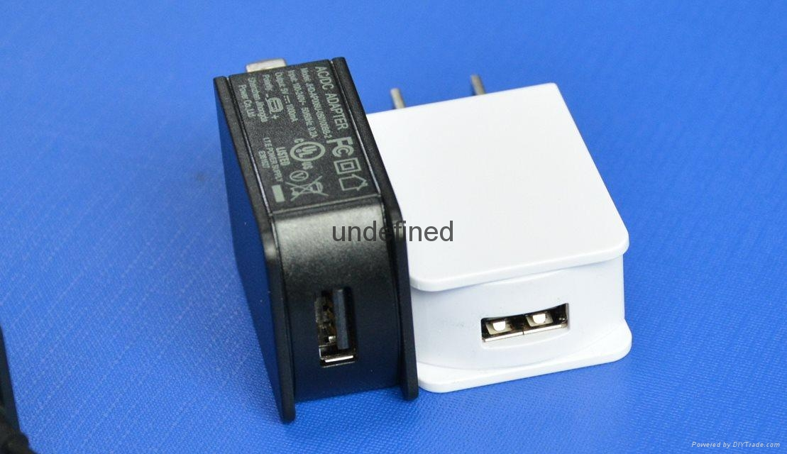 Cell phone charger 5V1000nA 1