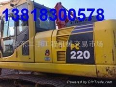 最新款小松220-8挖掘機