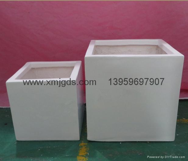 Glass spray of molten steel box 2