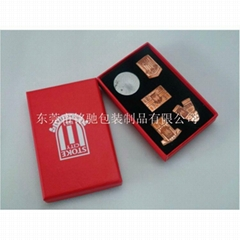 供應紙質書型徽章盒