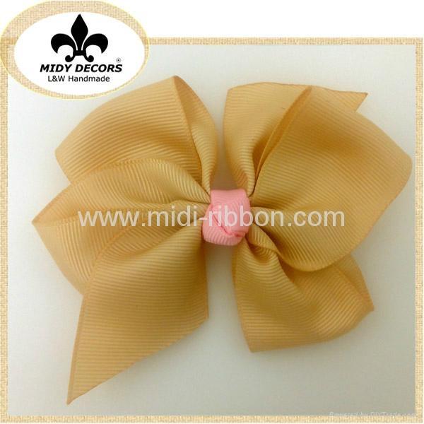 Little Girls Hair Bow 1