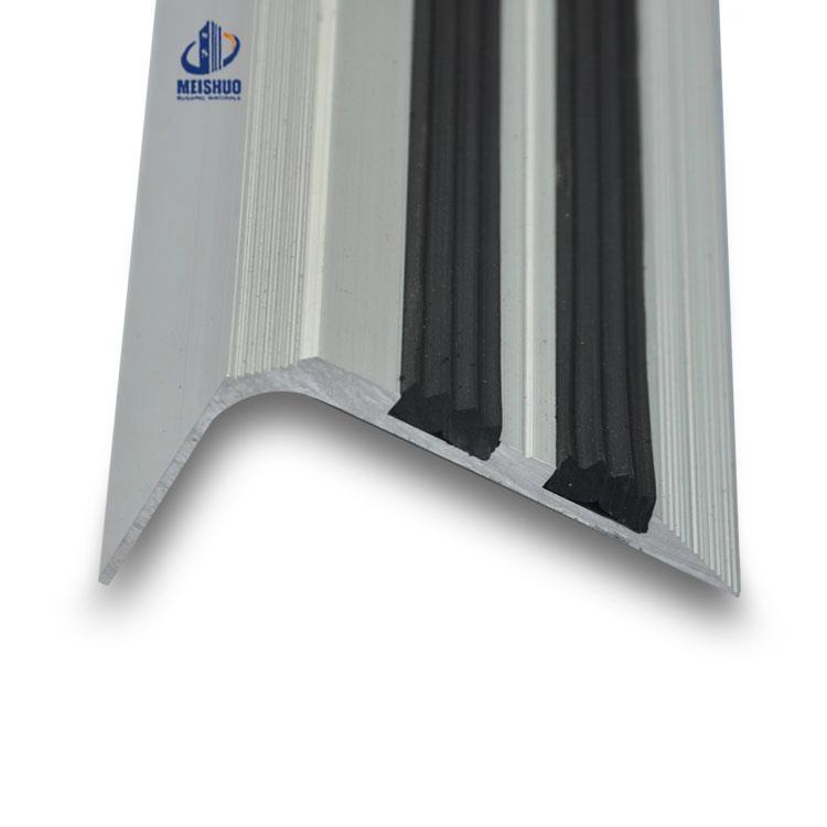 Laminate rubber stair tread anti slip for interior wood floor 4