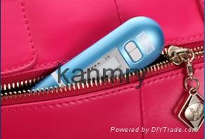 Portable skin analyzer for checking skin moisture condition skin tester 2
