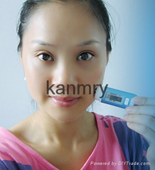 Portable skin analyzer for checking skin moisture condition skin tester