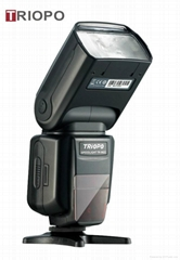 Camera flash light with universal mount