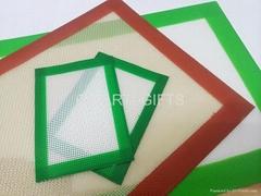 Silicone fiberglass baking mats