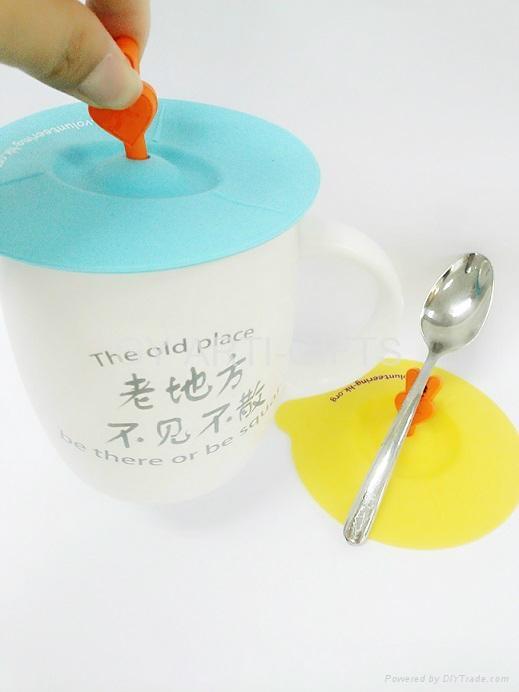 硅胶水杯盖 3