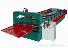Automatic roof panel forming equipment