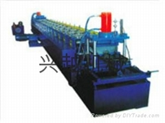 Highway barrier forming equipment