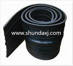 Waterproof rubber belt manufacture