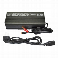 储能电池组充电器12.8V 10A磷酸铁锂电池组充电器