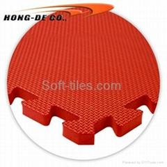 Anti-slip foam interlocking floor mat