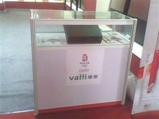 广西租赁玻璃展览展示柜台 1
