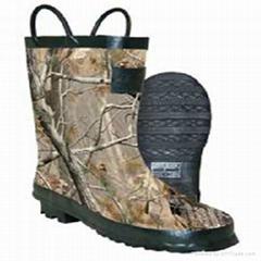 Tree camo rain boots for