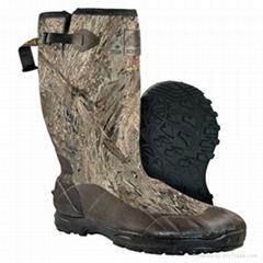 Duck blind camo upper neoprene boots