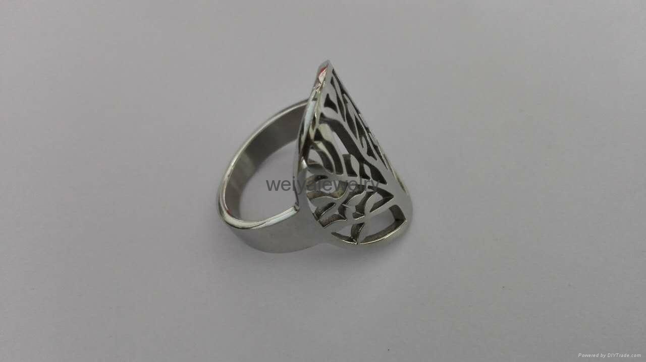 Fashion 316l stainless steel hollow out tree ring  2