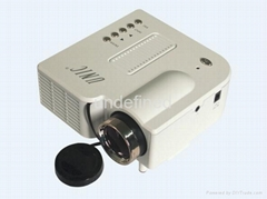 UNIC UC28 pico projector