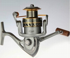 Size 5000 Spinning fishing reel with good quality