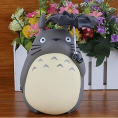 Totoro money can open an umbrella