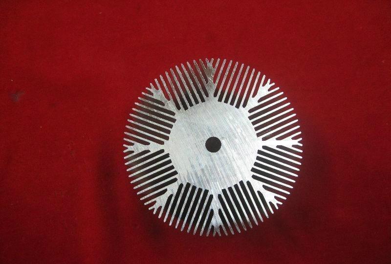 长期供应优质太阳花散热器工业铝型材  2