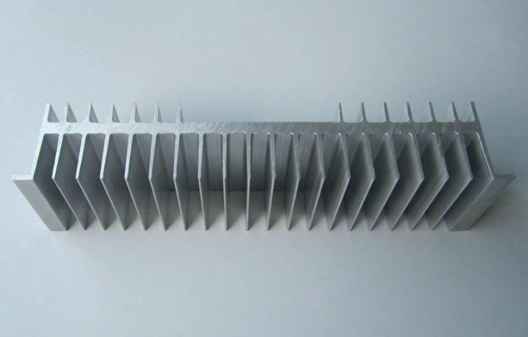 长期供应优质太阳花散热器工业铝型材  5