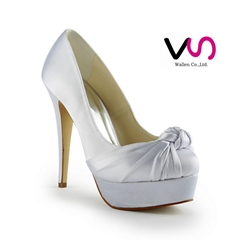 high heel bridal shoe