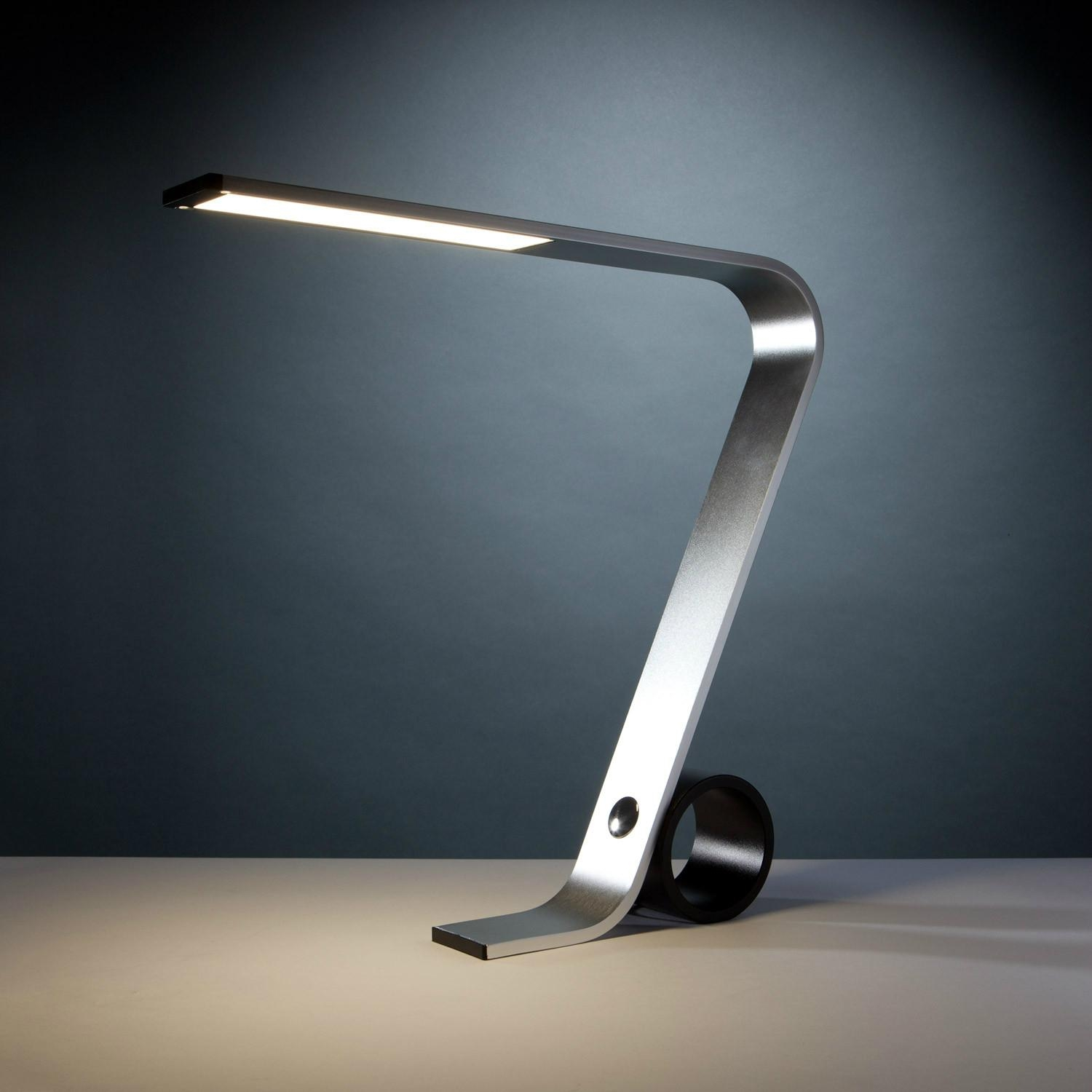 LED desk lamp with USB port & modern design - YT006 ...