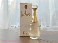 designer perfume for wom