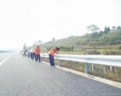 武汉高速公路波形梁防撞钢护栏