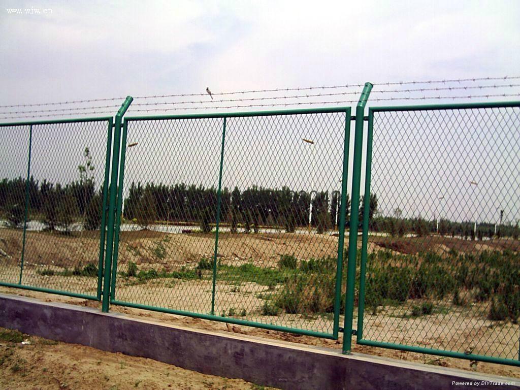武汉浸塑钢板护栏网 2