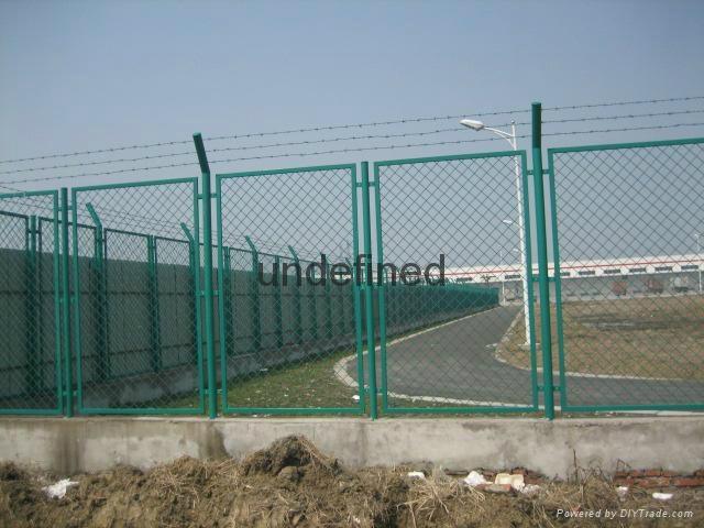武汉浸塑钢板护栏网 3
