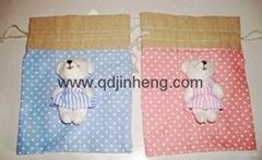 點點方棉布束口袋子配小熊裝飾
