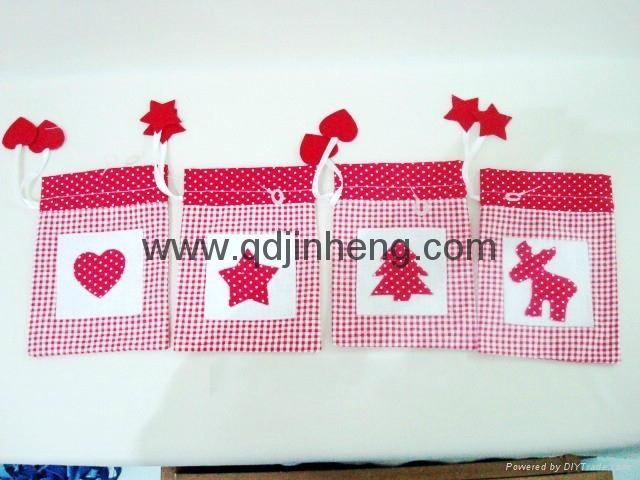 check  pouch with embroidery christmas
