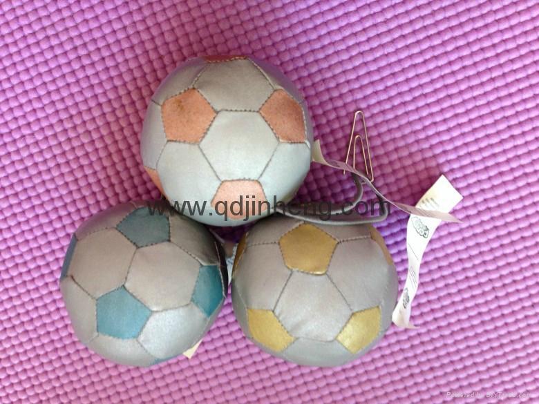 6CM彩色反光面料填充球配鑰匙環 1