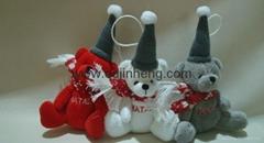 坐姿熊配聖誕帽和圍巾