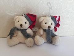 毛绒小熊玩具