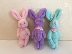 吊填充兔子