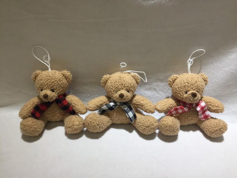 填充圍巾坐熊