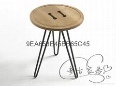 Round solid wood coffee table Mattia扣子边几