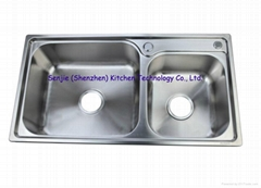 stretch of 304 stainless steel double basin/sink
