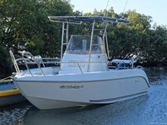QD 20 EX Fiberglass fishing boat