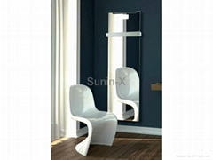 Bathroom radiator with demisted mirror surface, less than 1 kWh per day